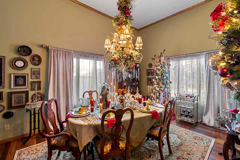 dining room 2, North Fargo, Shawna Davidson, A Christmas to Remember, Thrifty decorating, Midwest Nest Magazine